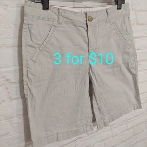 Dockers khaki shorts size 8, 3for10